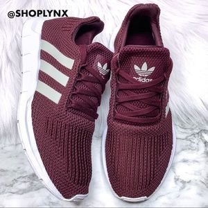 Adidas Swift Run Maroon Sneaker